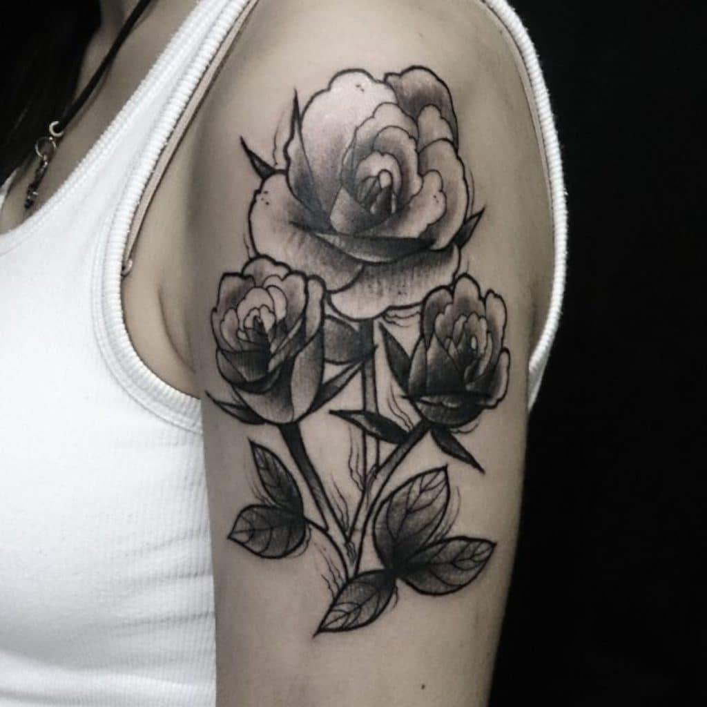 Tattoo Neotradicional Flores