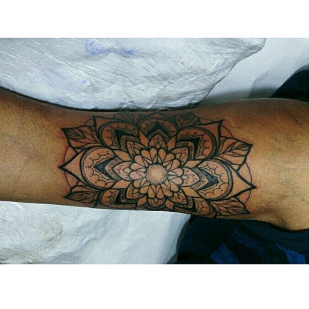 Tattoo Neotradicional Mandala
