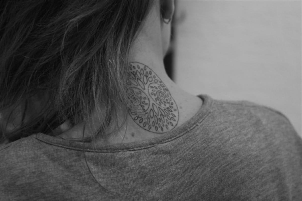 Tatuaje Árbol de la Vida con Iniciales