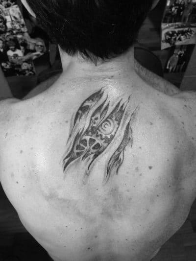 Tatuaje Mecánico Espalda