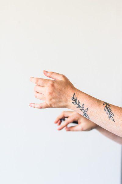 Tatuajes Finos Mujer Hojas