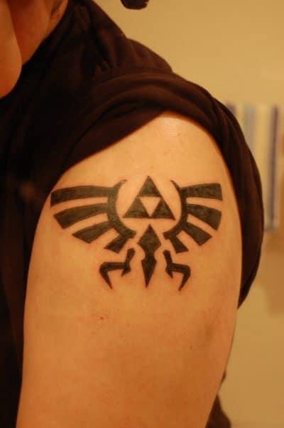 Trifuerza Tatuaje Brazo