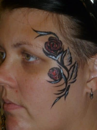 Tatuaje Rosas Pequeñas Cara