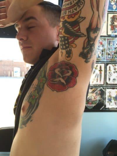 Tatuaje Rosas Pequeñas Sobaco