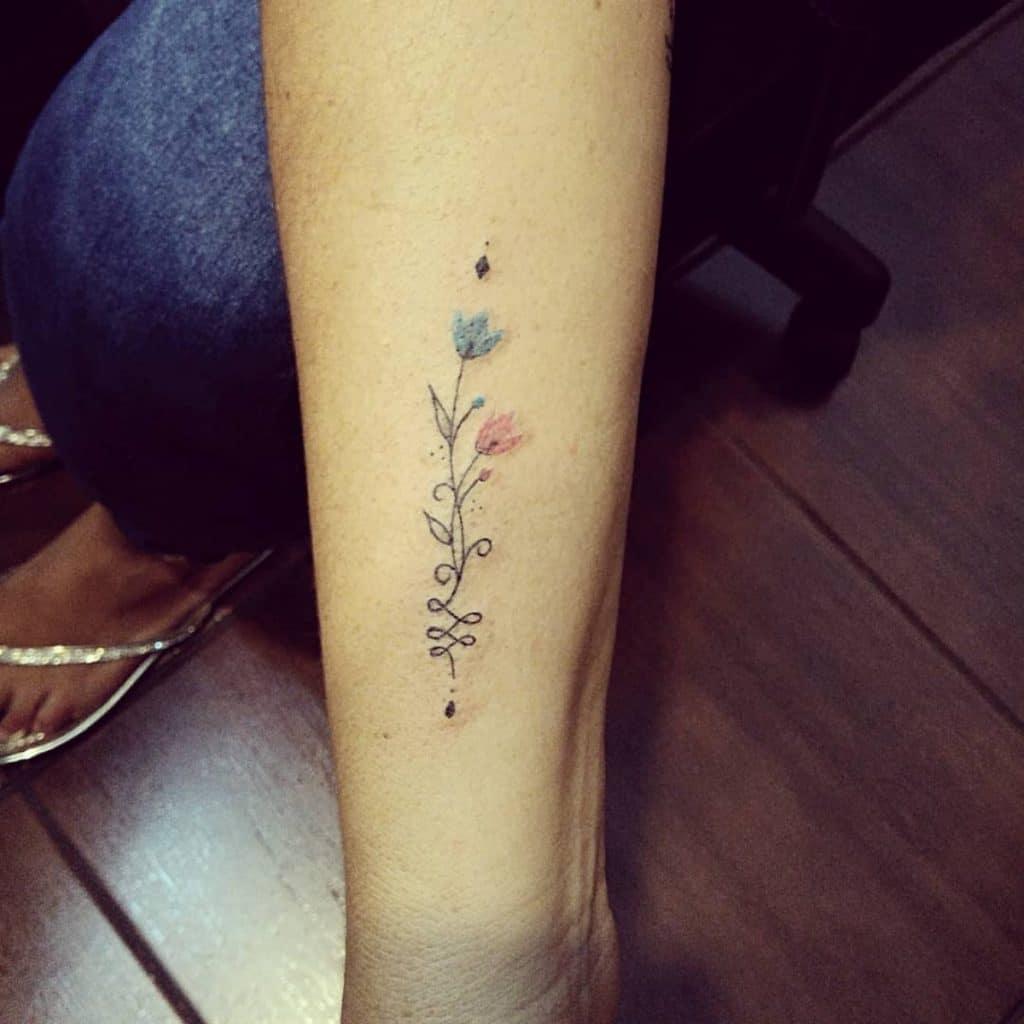 Tatuaje Rosas Pequeñas Unalome