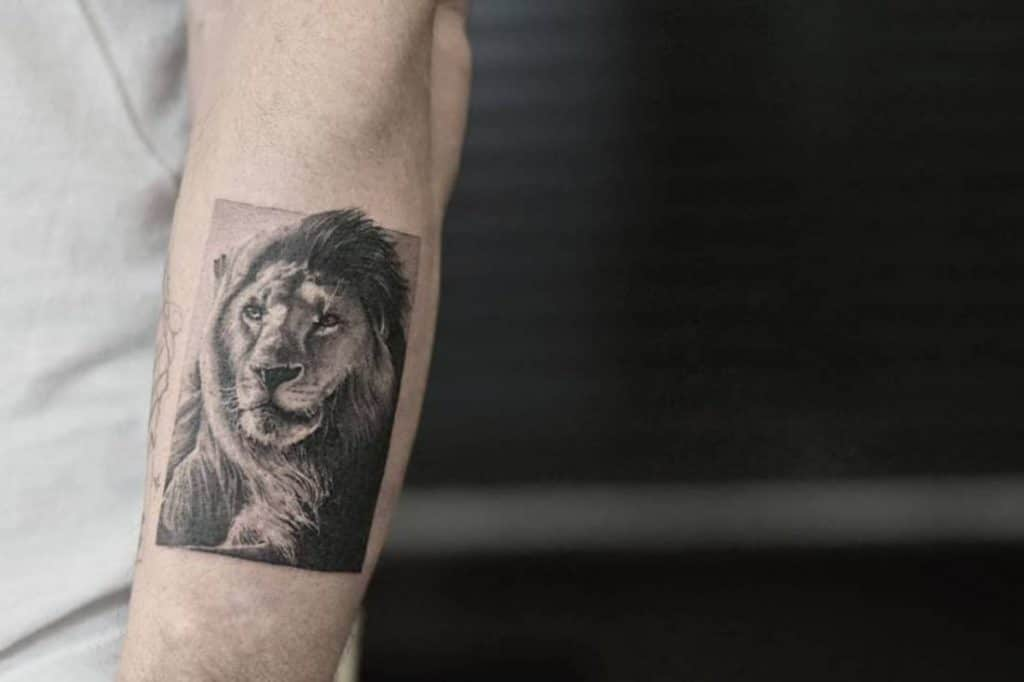 Tatuajes del Signo Leo Realista